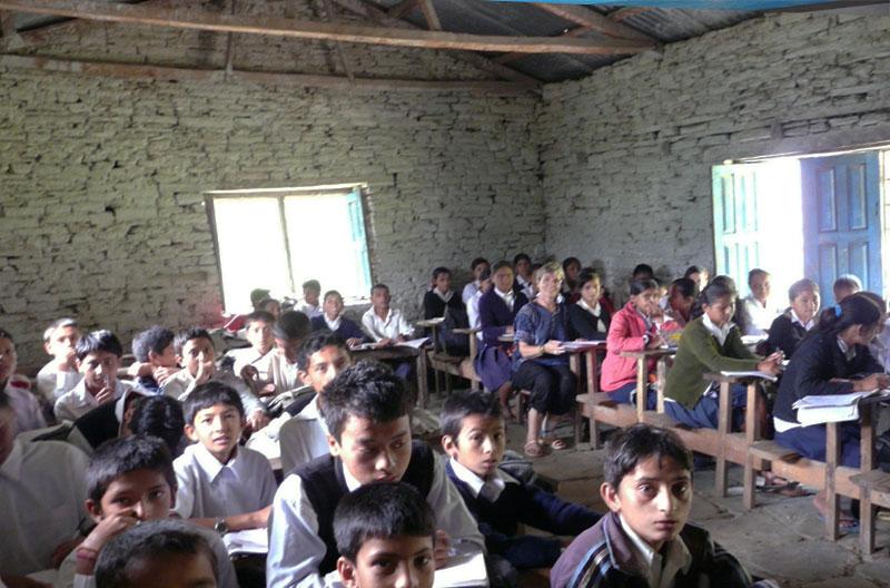 Before-Refonte de l\'école Shree Pragatisheel Higher Secondary School de mai 2012 à octobre 2013. Intérieur d\\\'une des salles de classe