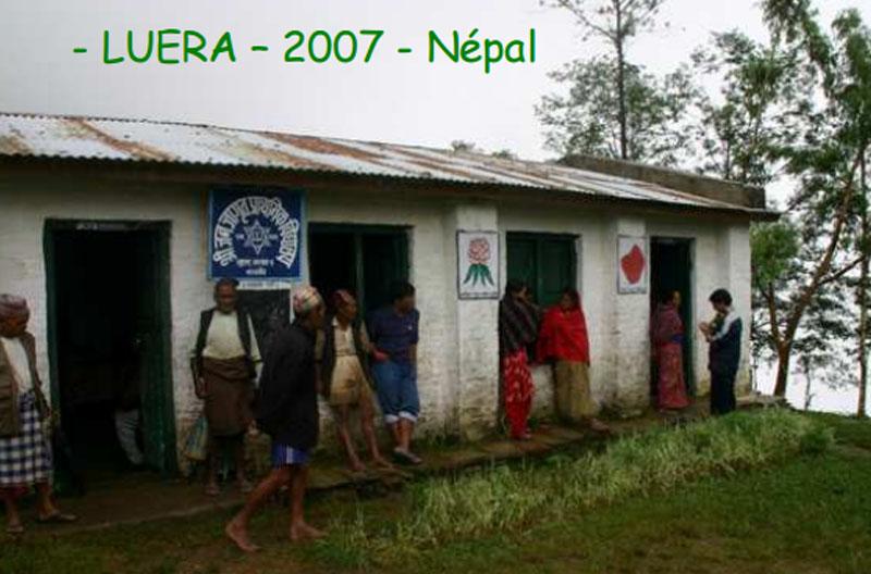 Before-Refonte de l\'école primaire de Luera. Extérieur du bâtiment.